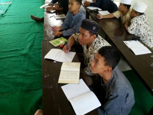 Belajar di Pesantren Aitam